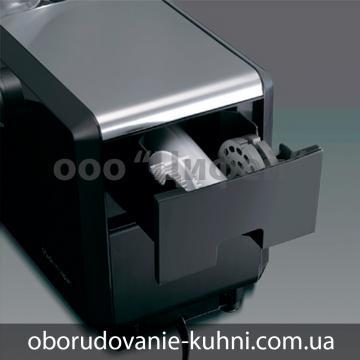 Мясорубка-Panasonic-MK-ZJ-3500-отделение-для-насадок